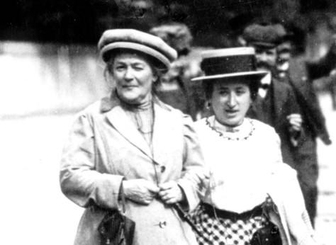 Rosa Luxmburg u. Clara Zetkin / 1910